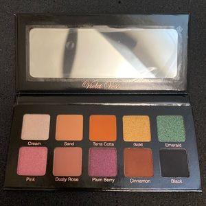New Violet Voss Essentials Eyeshadow Palette 10Pan